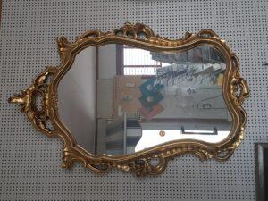 En av våra mer pråliga guldspeglar