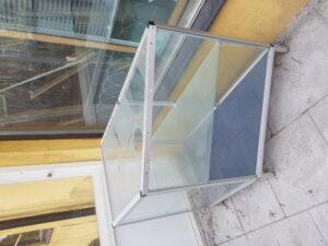 Glasmonter för att exponera exklusiva varor